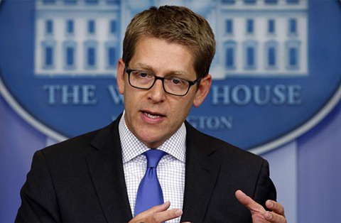 Carney portavoz de la Casa Blanca durante la rueda de prensa