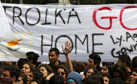 chipre banco corralito troika estudiantes golfos apandadores