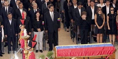 velatorio hugo chávez madurao multitud venezuela